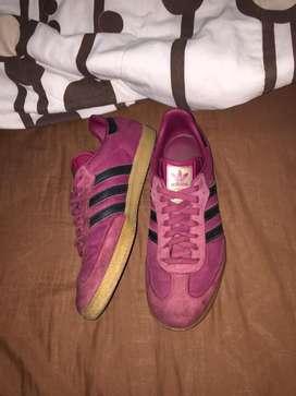 Adidas Samba edicion especial color Rojo