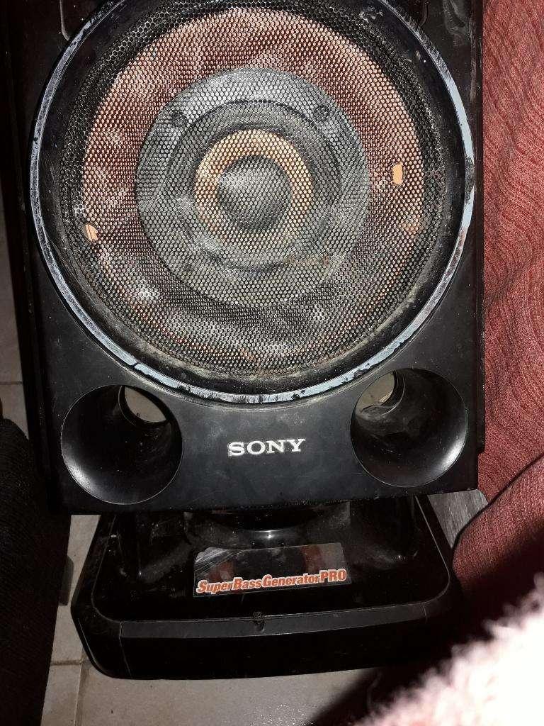 Super Bass Sony Genezy 0