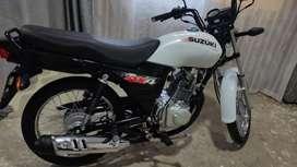 Moto Suzuki Ax4