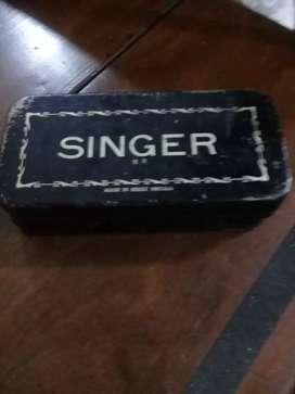Caja original dw accesorios Singer
