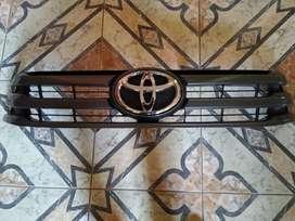 Máscara Toyota Hilux Original