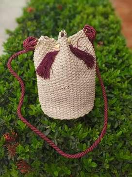 Hermosos bolsos artesanales en Palma de iraca