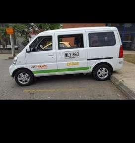 Vencambio Hermosa Van N 300 excelentes condiciones, placa pública lista para trabajar, transporte escolar o pasajeros