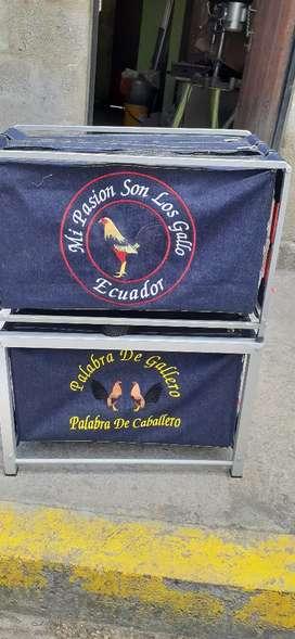 Maletas para trasportar sus gallos