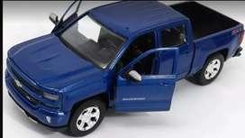Chevrolet Silverado 1500 Litros, Modelo 2018, Escala 1:24, 21 Centímetro de Largo, Metálico
