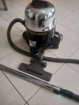 Aspiradora limpia y desinfecta el aire