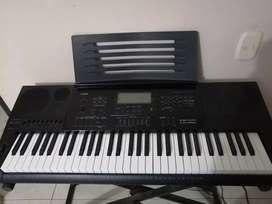 Vendo organeta CASIO CK 7200