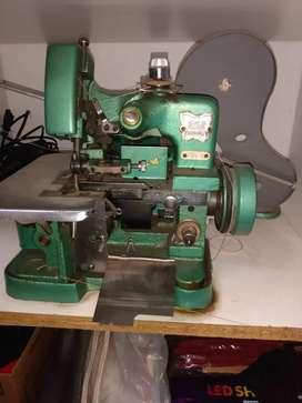 Vendo maquina de coser overlok 3 hilos