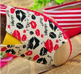 Alpargatas suela roja besos rojos con envio gratuito