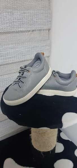Zapatos para niño talla 27
