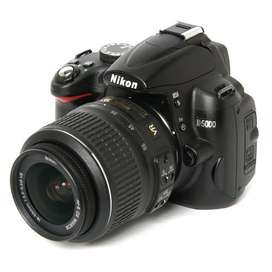 Nikon D5000 + lente de kit + bolso de regalo!