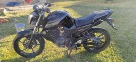 Yamaha FZ modelo 2013.