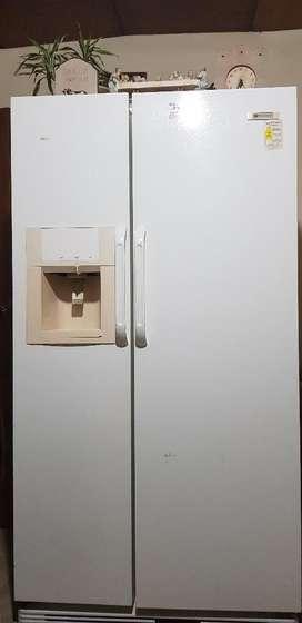 Vendo Regrigerdadora White-westinghouse