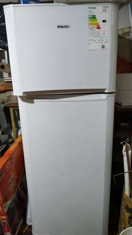 Heladera Philco PHCT290 blanca con freezer 285L 220V