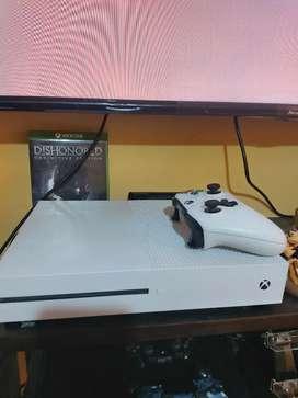 VENDO XBOX ONE S DE 1 TERA