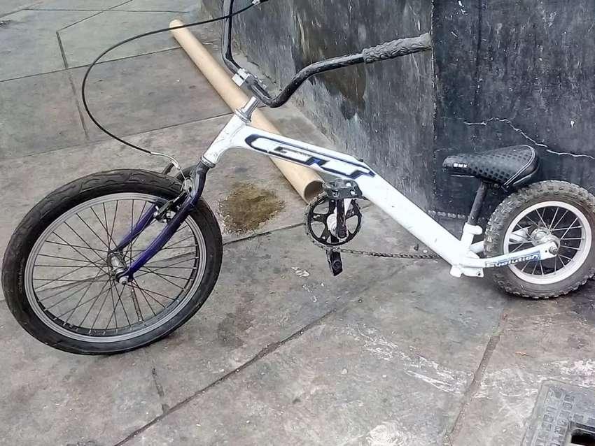 Bicicleta personalizado con modificaciones .