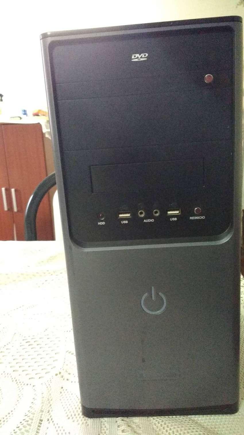 Cpu Core 2 Duo 2gb RAM gabinete eurocase fuente 550w 0