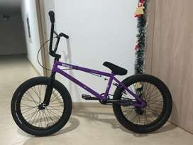 Se vende bicleta mutanty bmx en perfecto estado !!