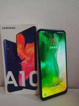 Vendo celular Samsung Galaxy A10 usado