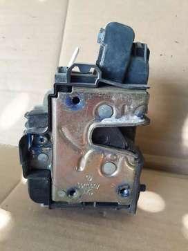 Cerradura eléctrica trasera/izquierda vw polo
