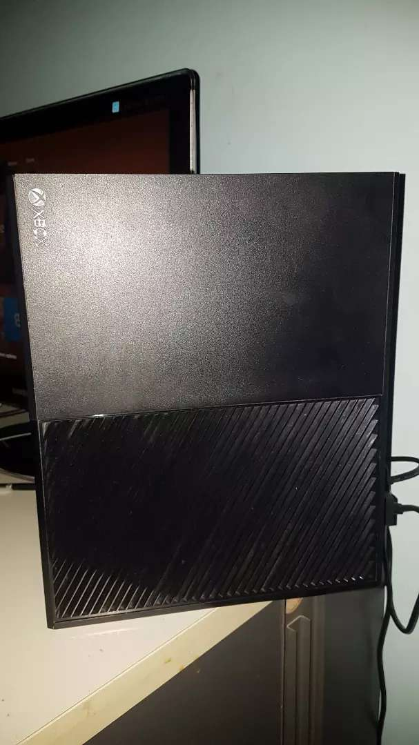 XBOX ONE 500GB 0