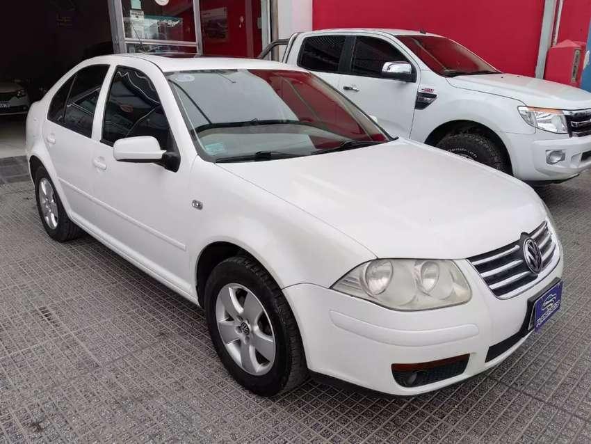 Volkswagen Bora 2.0 Trendline c/Gnc 2010