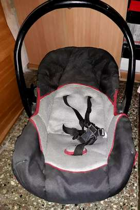Vendo huevit bebe impecable