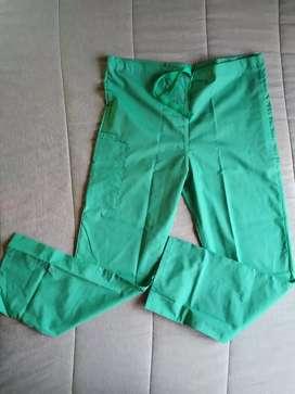 Set Uniforme médico Strictly Verde jade talla M ( del mismo fabricante de Cherokee) + Obsequio media de compresión segunda mano  Lagos I