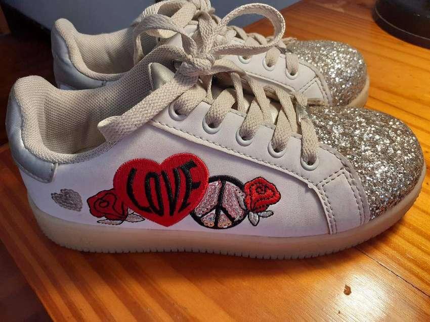 Zapatillas 47 Street Niña Número 32 IMPECABLES!!