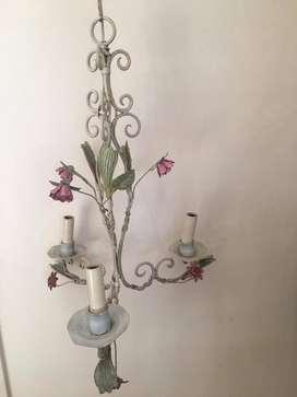 Araña de hierro de 3 candelabros