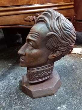 Bolívar en hierro