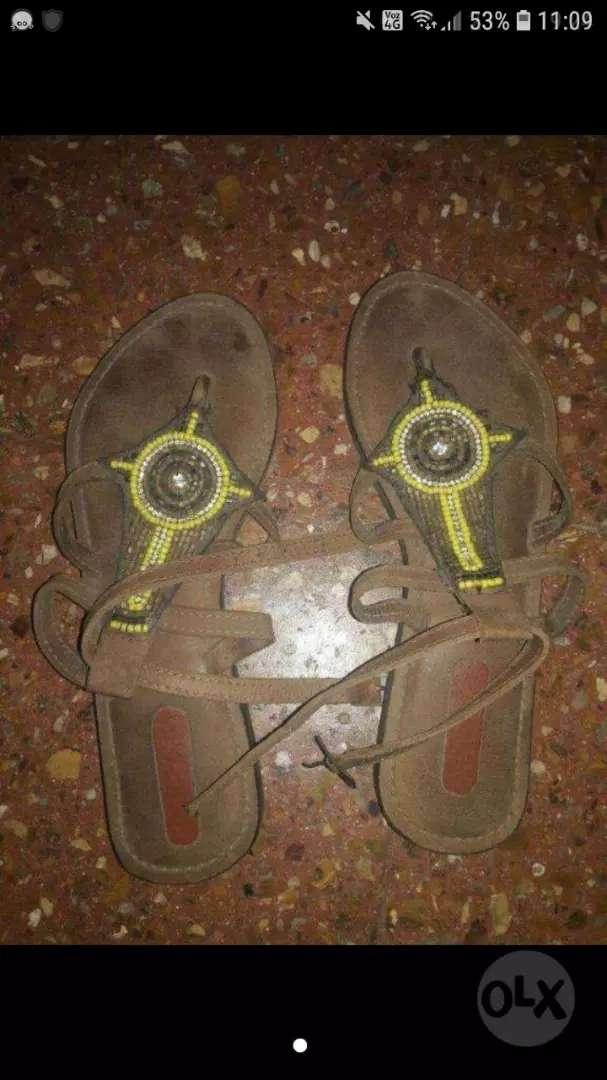 Vendo sandalia talle 36 0