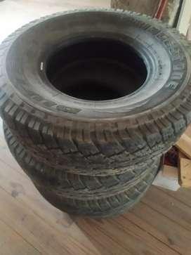Cubiertas Bridgestone 31x10.50R15LT poco uso