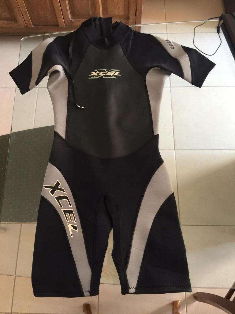 Vendo traje de neoprene 2mm spring marca EXCEL 0