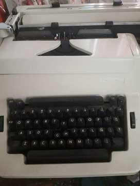 Vendo Maquina de Escribir Marca Erika