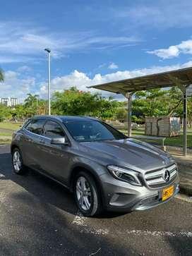 Se vende hermoso Mercedes GLA200