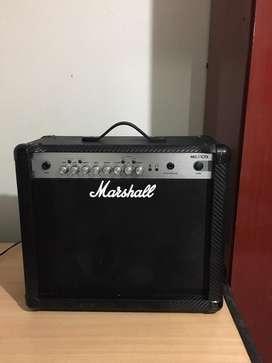 Amplificador marshall 30 watts