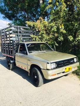 Camioneta B 2200