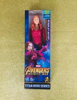 MUÑECA Marvel Scarlet Witch Titan Hero Series