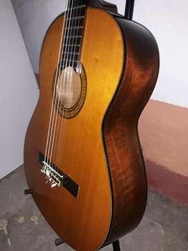 Yamaha C-180