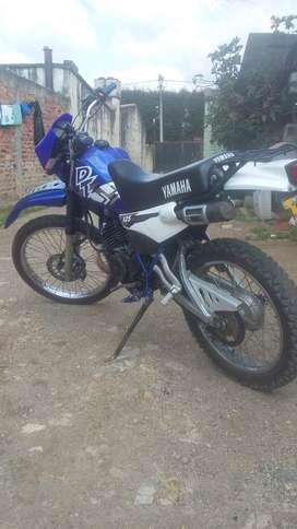 Moto Yamaha dt 2002