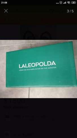 Sandalias LA LEOPOLDA bajas con volados nro 37