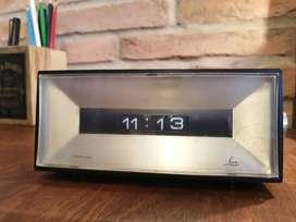 Reloj eléctrico Lux años 60