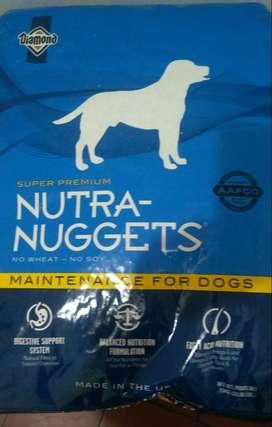 Se vende alimento para perro