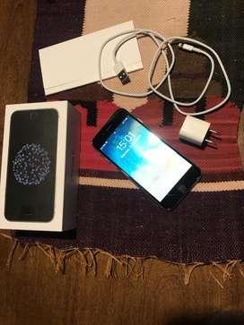 iPhone 6 16GB usado, liberado, con accesorios