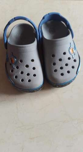 Crocs de Niño Talla 9 Originales