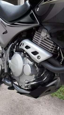 Vendo o permuto Honda falcon 400 cc