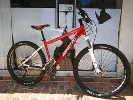 Vendo bicicleta Rin 27.5 Talla M