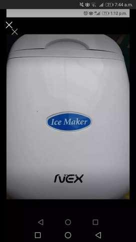 Se vende maquina para hacer hielo