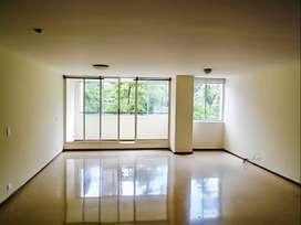 Apartamento en Arriendo Poblado Castropol . Cod PR 9215